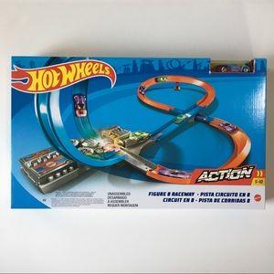 Hot Wheels Action Figure 8 Raceway